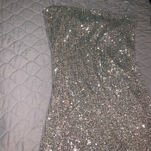 All sparkly dress! Brand new and never wore !!